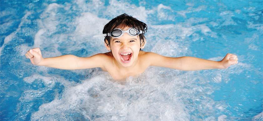 Преимущества плавания для детей